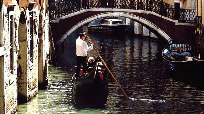 Venice: Shared Gondola Tour - Main image
