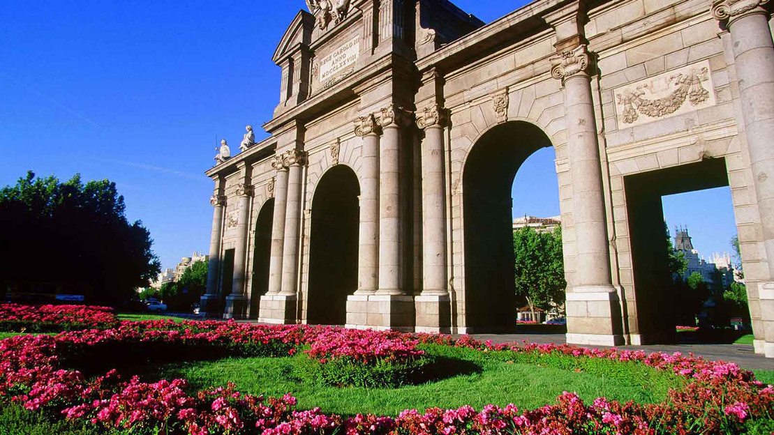 Madrid Highlights Tour and Royal Palace Guided Tour - Main image