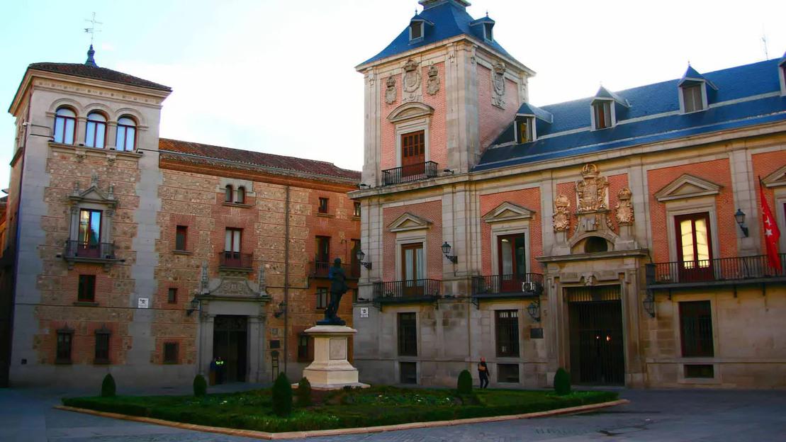 Madrid Walking Tour and Royal Palace - Main image