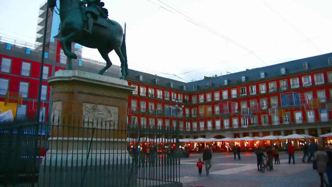 Visita a piedi per la Madrid degli Asburgo + Palazzo Reale - Main image