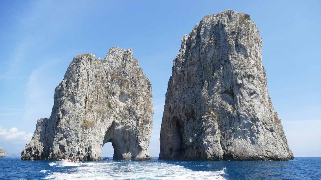 Capri: Full-Day Small Group Boat Tour - Main image