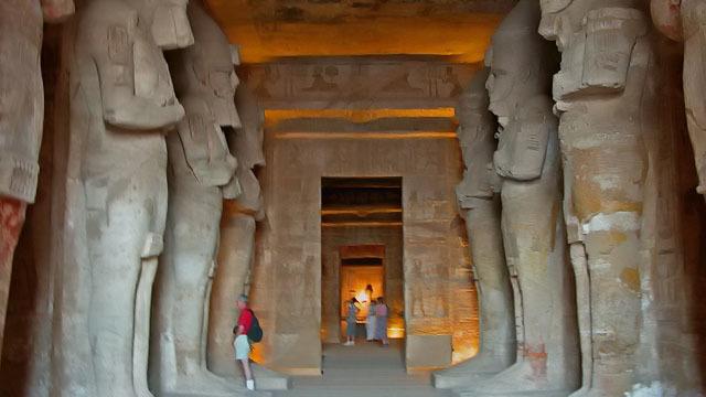 Escursione guidata ai templi di Abu Simbel - Main image