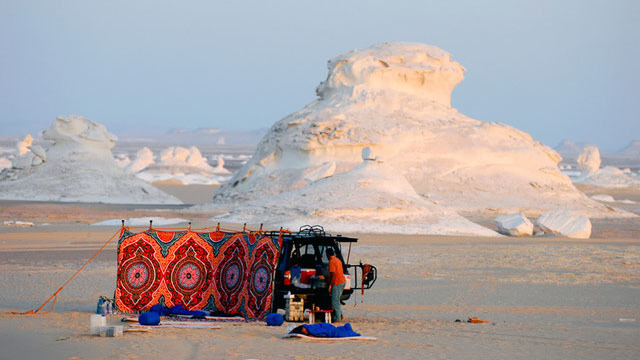 Oasi di Bahariya: Campeggio notturno nel deserto  - Main image