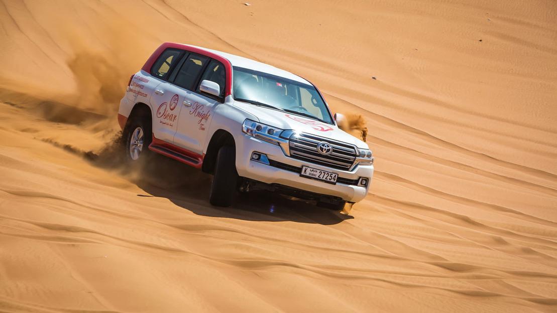 Surf tra le dune e visita all'accampamento beduino di Dubai - Main image
