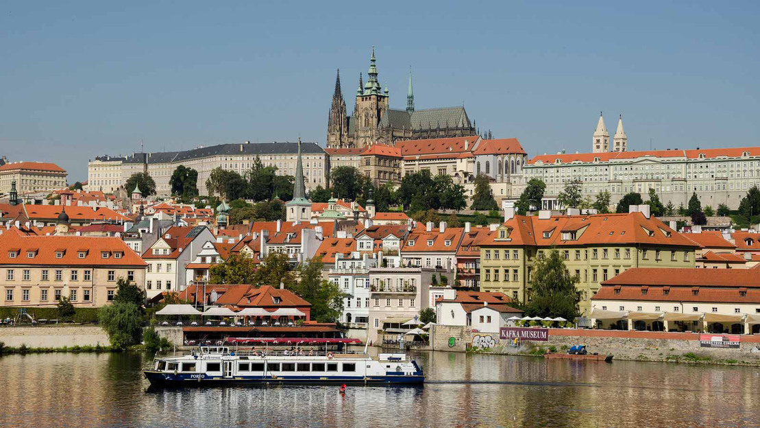 Praga: Tour sul fiume con battello - Main image