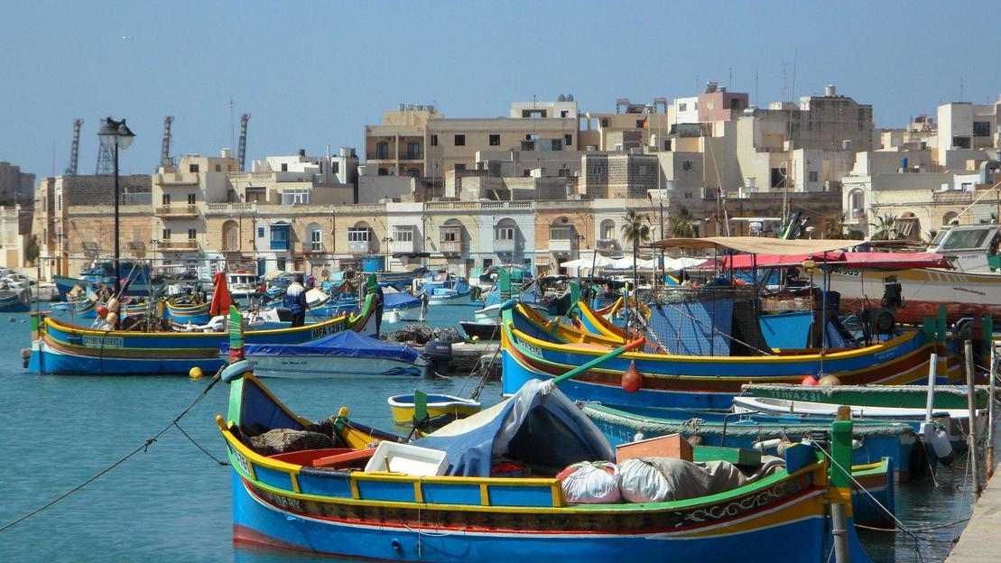 Grotta blu e mercato domenicale al villaggio di pescatori di Marsaxlokk - Main image