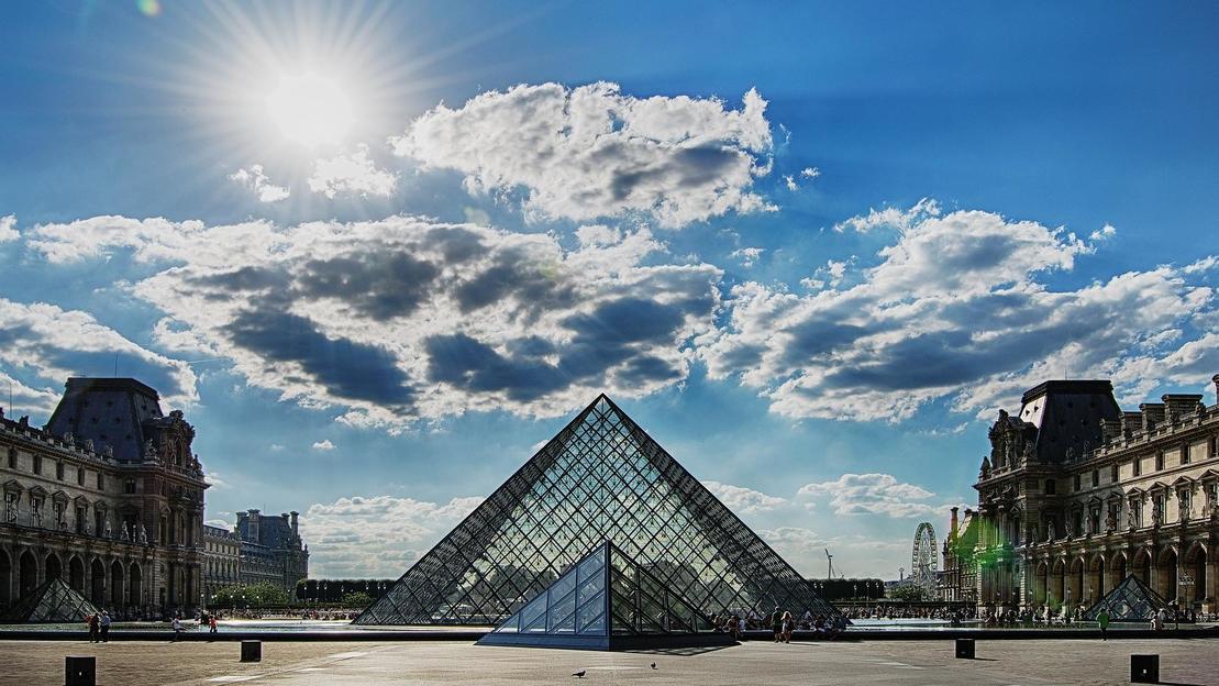 Museo del Louvre Piccolo tour con biglietti - Main image