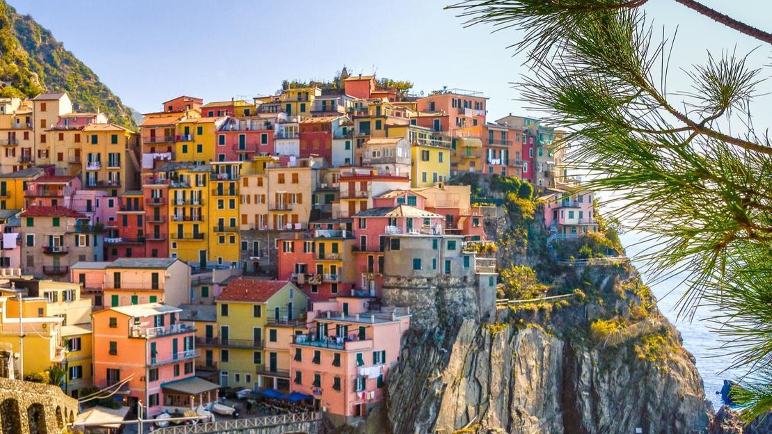 Cinque terre giornata in un sogno colorato - Main image