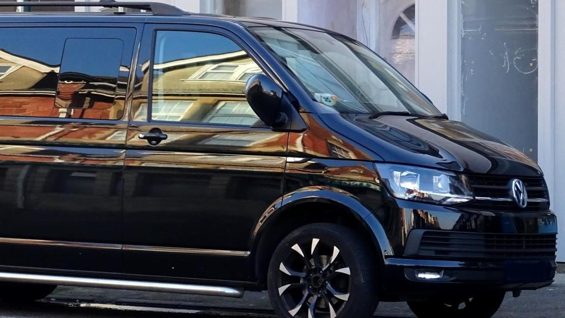 Private transfer Linate Airport - Hotel in Milan on MINIVAN - Main image