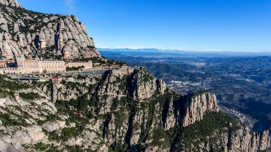 Early morning Montserrat guided tour - Main image