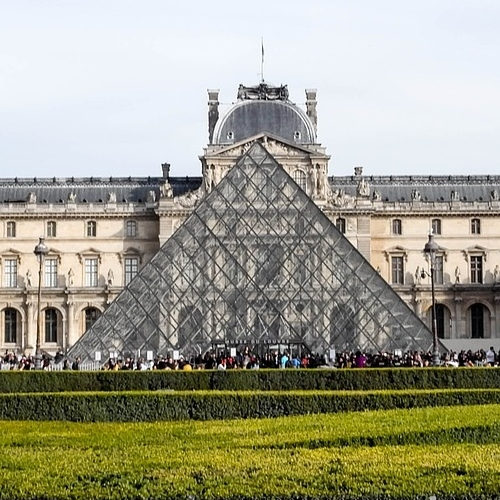 Louvre Museum Tickets & Tours